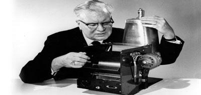 """أشهر مخترع التصوير الفوتوغرافي """"تشستر كارلسون"""""""