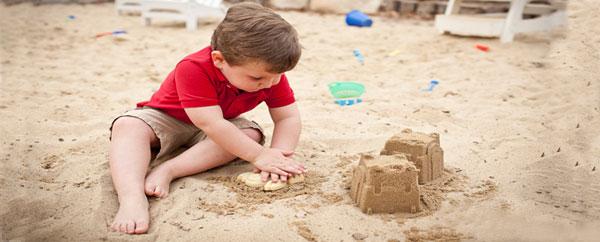 تعرض الأطفال لحرارة الشمس المفرطة يسبب السرطان
