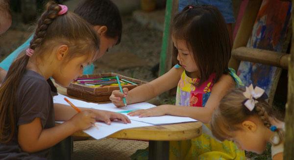 أطفال من جميع أنحاء العالم يتعلمون سبل حماية المناخ