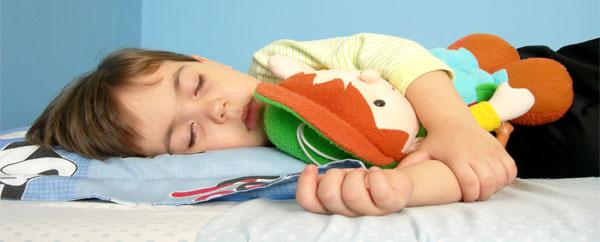 نوم القيلولة ينمي ذكاء طفلك