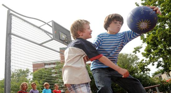 المبالغة في الرياضة خطر على الأطفال والمراهقين