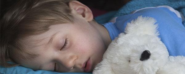 """النوم المتأخر """"يضعف القدرات الذهنية للأطفال"""""""