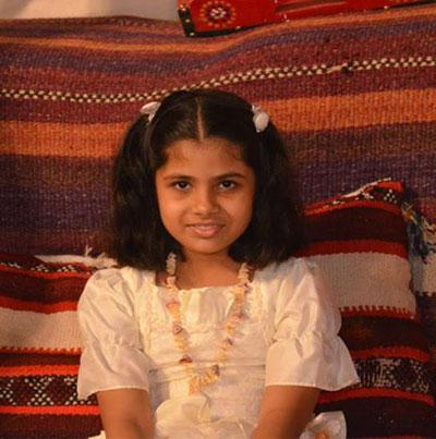 الطفلة آسية عارف.. أصغر مؤلفة كتاب