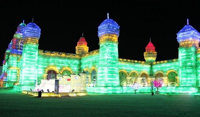مهرجان المصابيح الجليدية في حديقة أولمبياد بكين