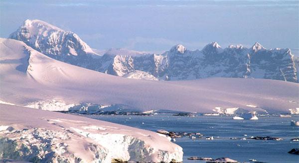 أسباب سرعة سخونة القطب الشمالي