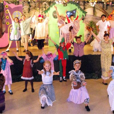دور المسرح في تنمية مواهب الطفل