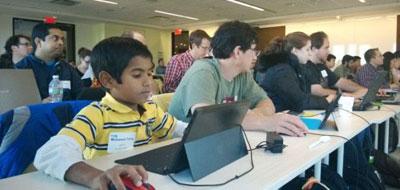 صغيرٌ في الثامنة برمج تطبيقاً للصغار وطوّره
