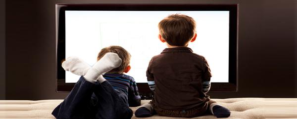 التلفاز يضعف تركيز الطفل