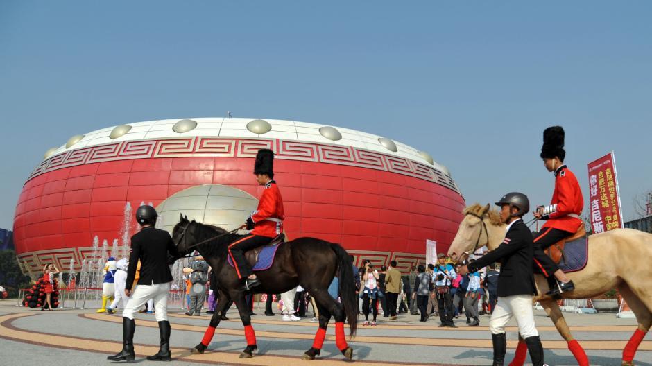 """مبنى """"الطبل الصيني"""" يسجل رقما قياسيا لغينيس"""