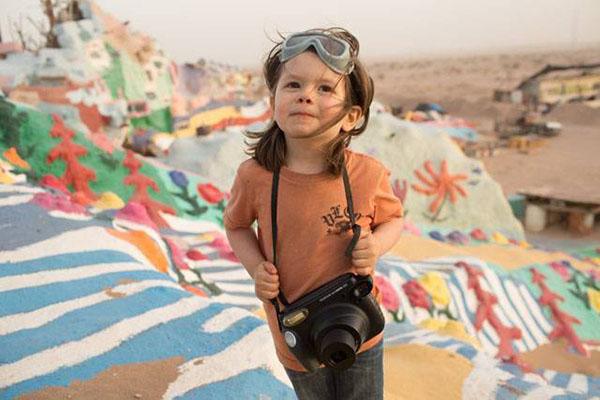 """""""هاوكي هوى"""".. أصغر مصور في العالم"""