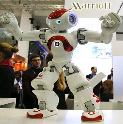 ابتكار روبوت يطير ويزحف مثل الحشرات