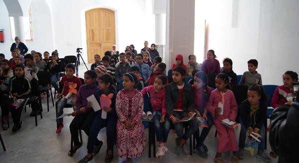 نادي الكتاب بوحدة الفطرة للناشئة بدار الثقافة يقدم جوائز تقديرية لفائدة ناشئة الدار البيضاء
