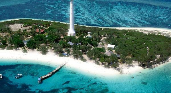 ابيضاض الشعب المرجانية في كاليدونيا الجديدة