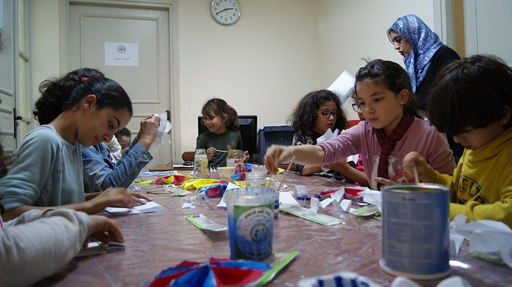 نادي الإبداع.. ورشات الأعمال اليدوية تنمي المواهب وتكسب مهارات جديدة