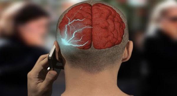 الإصابة بالسرطان مرتبطة باستخدام أجهزة الموبايل