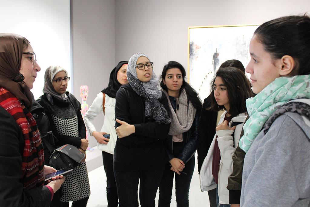 """الرواد في جولة لمتحف محمد السادس للتعرف على""""المسار التاريخي للفن التشكيلي بالمغرب في مرحلته الثانية"""""""